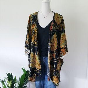 Umgee Floral Botanical Pom Sleeve Kimono sz M/L